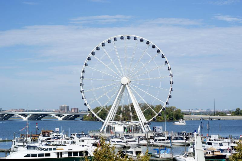 CAPITAL-WHEEL-NATIONAL-HARBOR-MGM-MARYLAND-WASHINGTON-DC-THNGS-TO-DC-WEEKEND-VALENTINES-DAY