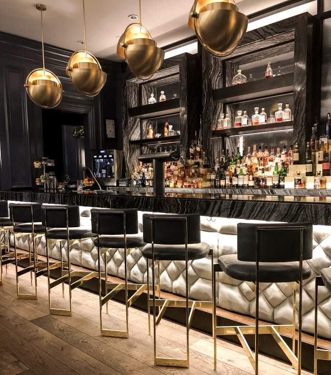 Ritz-Carlton-washington-dc-hotel-bar-quadrant-birthday-restaurants-birthday-restaurants-washington-dc-best-cool-places-locations-venues-best-restaurant-birthday