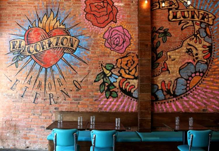 Taqueria-del-Barrio-dining-room-cocktails-mexican