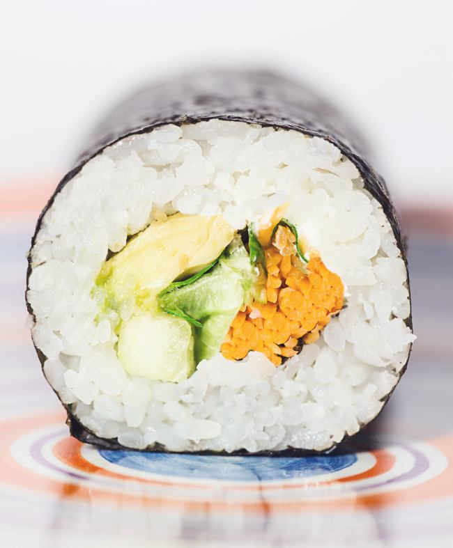 sushi-roll-luigi-pozzoli-authentic-japanese-restaurant-omakase-dining-experience